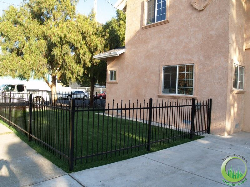 Redwood City Synthetic Grass Front Yard