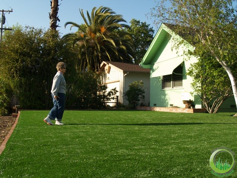 San Rafael beautiful artificial grass lawn