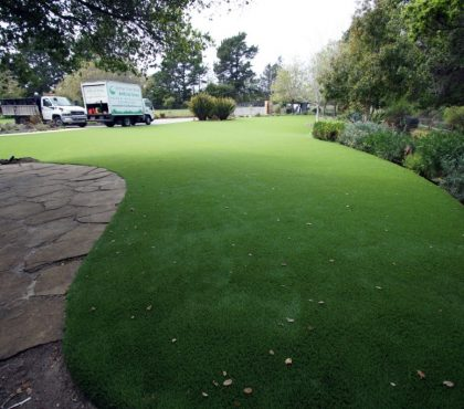 Synthetic-grass-gardens(2)