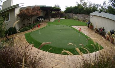 Artificial grass putting green: your golf green at home