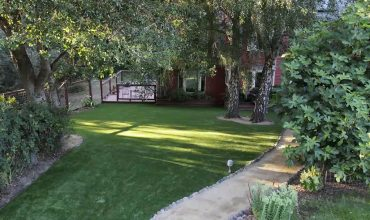 Fake grass for sale in Los Gatos: Check this before and after project