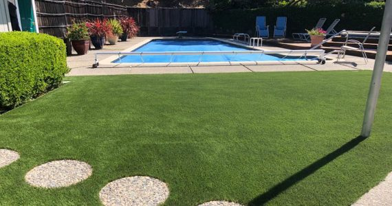 artificial-grass-california-pool